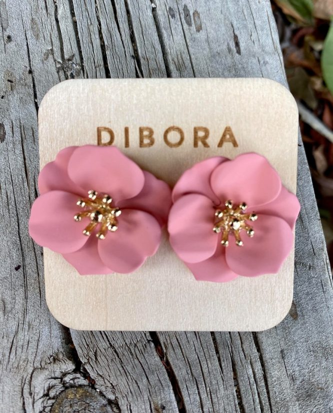 Petal Stud Earring pink