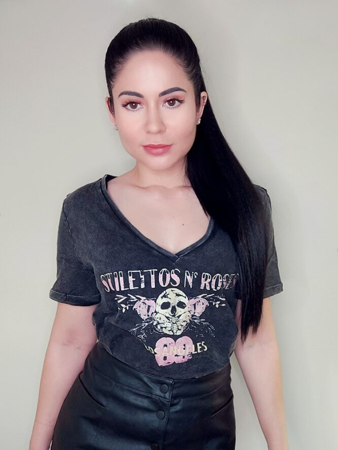 Stilettos And Roses Cropped Tee - Refuge